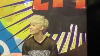 130802 Henry @ Channel V Thailand.(1)