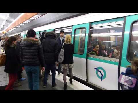 Paris Metro: La Motte Picquet Grenelle Station Lines 8 and 10 22 January 2014