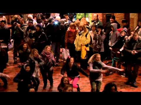 Dance Mob Cph #1 [official video] Copenhagen Central Station dec. 2010