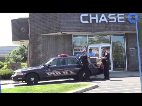 Investigation After Bank Robbery at Chase Bank on Golf Rd, Arlington Heights