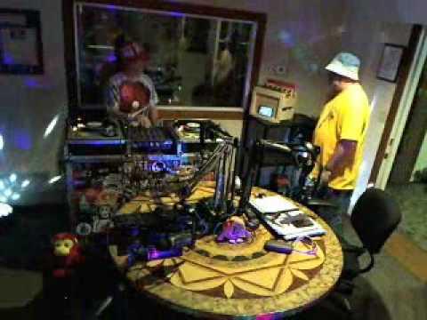 Strictly Vinyl Powerhouse 106.1 FM - Webcam S01E07