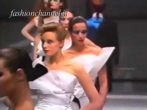 Gianfranco Ferrè Autumn Winter 1982 1983 Milan 2 of 2 Pret a Porter Woman by Canale Moda