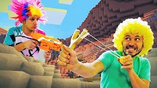 Видео игра для мальчиков - Бластер Нерф или Рогатка! Что круче? – Стрелялка с шариками в бассейне.