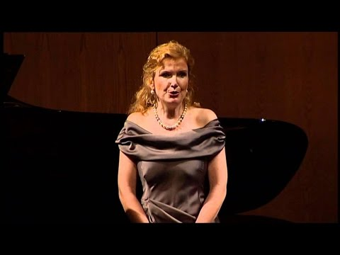 "Anne Schwanewilms sings ""Proses Lyriques"" - LIVE!"