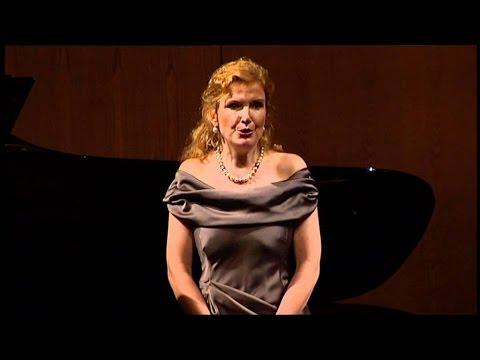 "Anne Schwanewilms sings ""Proses Lyriques"" - LIVE!"