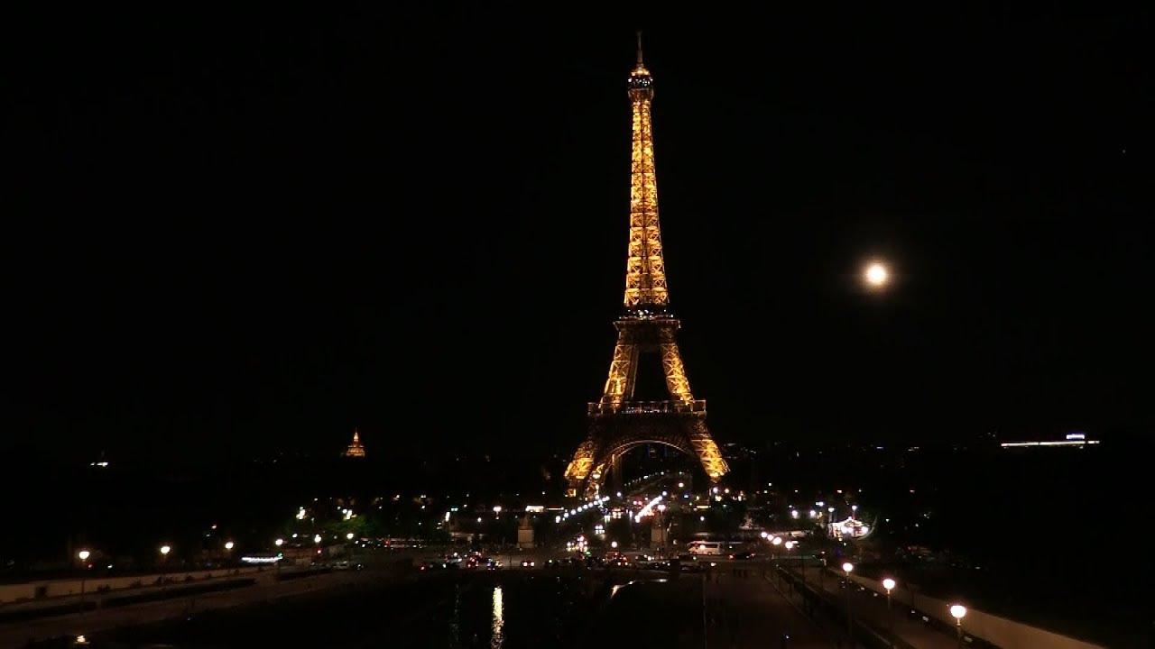 «Медовый месяц» над Парижем и Берлином — видео