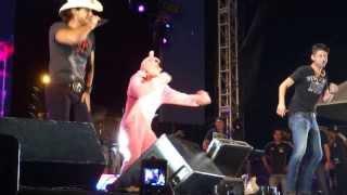 Abertura do Show de Munhoz e Mariano e Apucarana com Pantera Cor-de-Rosa  30 de NOvembro de 2013