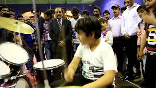 Gambar cover pakistani boy  agha meer amazing drummer