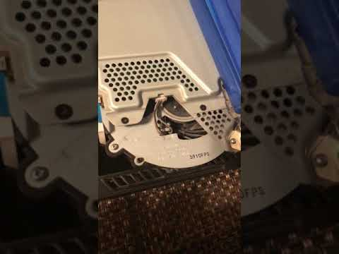 Cleaning the PS4
