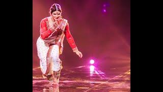 Dola Re Dola in Bollylavni style Ashish Patil and Rutuja in High fever