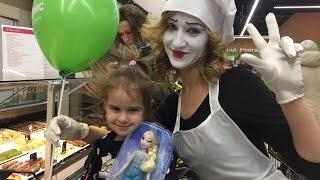 ВЛОГ Наш день / Открытие нового супермаркета/ Подарок Алисе на День рождения/ VLOG(, 2016-12-17T21:17:36.000Z)