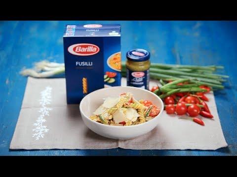 barilla-sg-fusilli-pasta-salad-with-pesto-chicken-amp-tomatoes