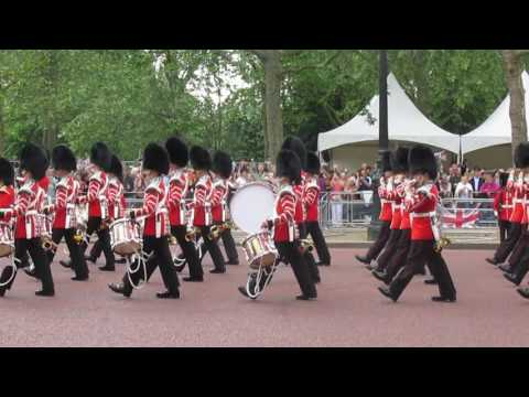 Trooping the Colour 2016 bands playing 'On Ilkley Moor Bah Tat'