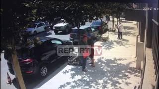 Del videoja e dhunimit të avokatit Ilia Ilia, autorët e sulmit janë dy persona, njëri shtyu policin