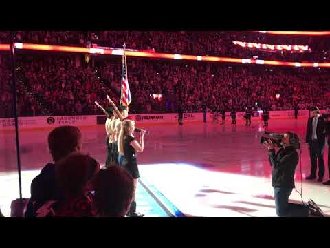 Sophie Noelle performs Oh Canada for Lightning Jets game 12-9-17