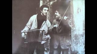 Pierre Gleitman & Volker Biesenbender - Di Grine Kusine (Yiddish Song)