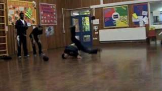 Floorless Formz -  performance at hopping hill primary school