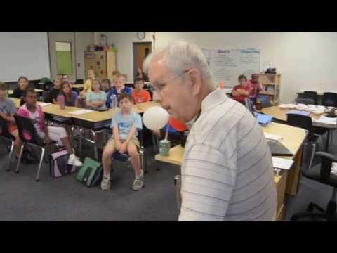 Herb Griffin describes landing on D-Day to fifth-graders at Hickory Creek Elementary School