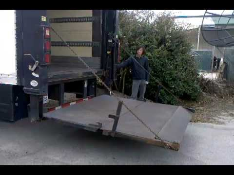Maxon Lift Gate Demo On Penske Rental Truck Doovi