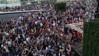 """Gambar cover Beatles - Hey Jude - 1000 voices singing along at """" Summer by the River - 2018"""" London."""
