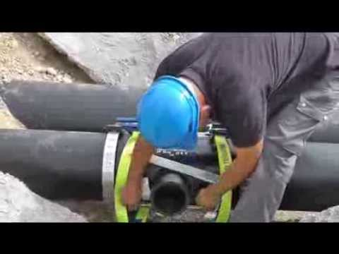 Монтаж ПНД труб для водопровода диаметром 110 мм и 160 мм - YouTube
