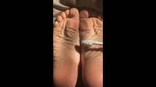 Amateur feet tied & tickled soles. Cocegas nos pezinhos. Solletico sui piedi
