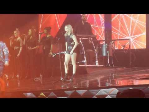 Ellie Goulding Zurich 28.02.16 Burn