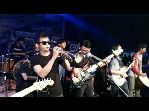 GRATISS REGGAE (Live) - Cabe cabean At Parung serab