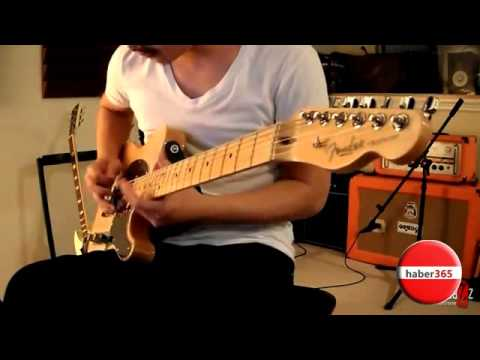 Elektro Gitarı Konuşturan Çocuk