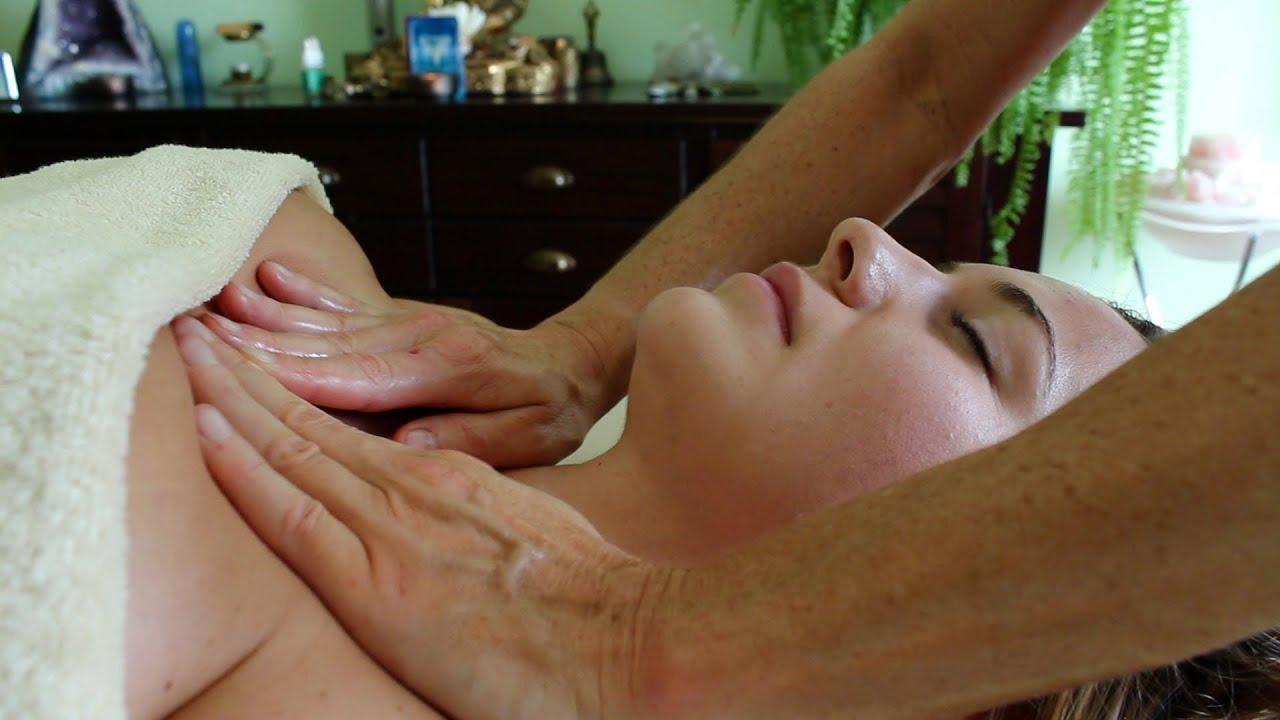 Lomi lomi massage Pornos