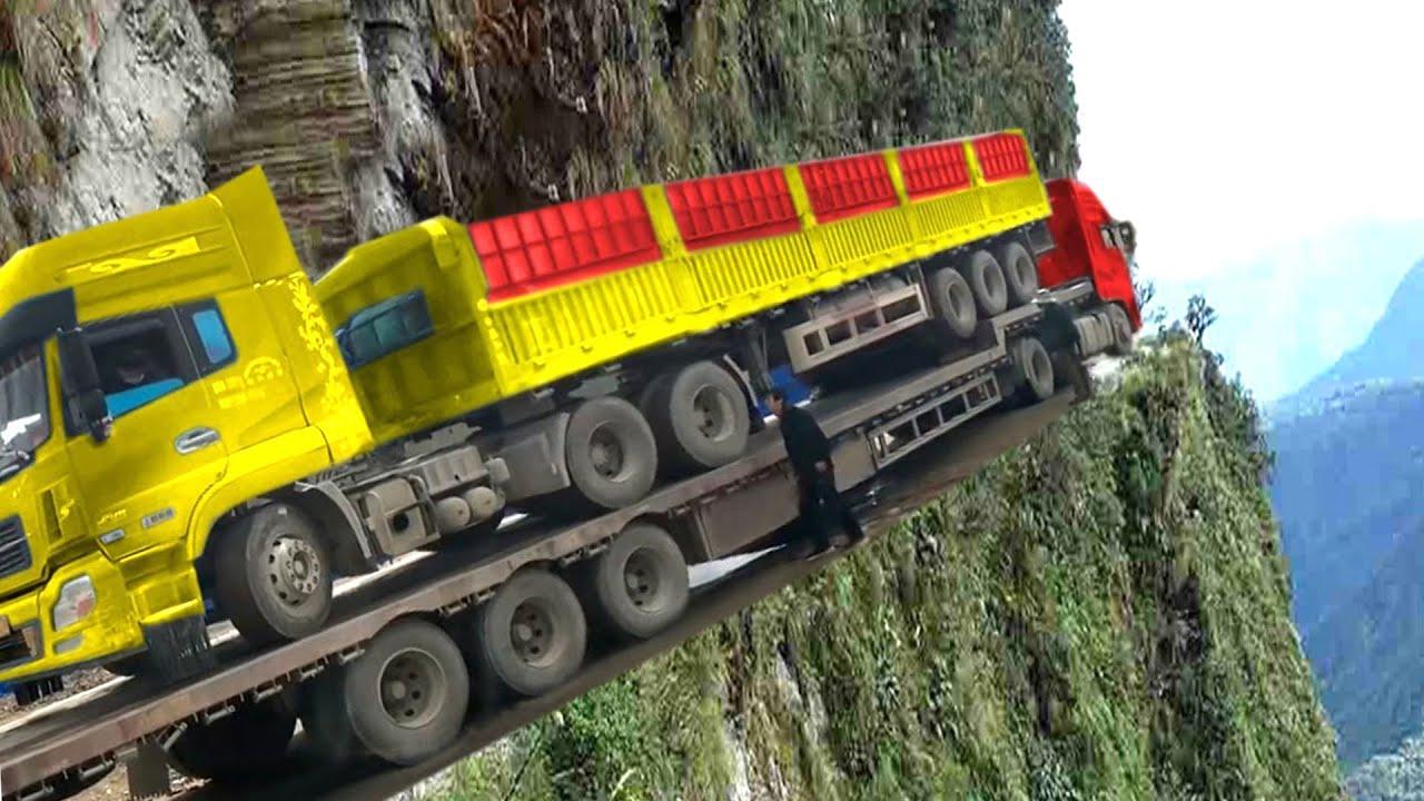 Truck Driving Skills Crossing Muddy Roads & Extreme Dangerous Roads in China!
