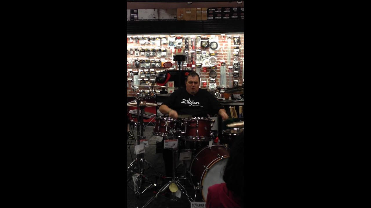 guitar center ridge hill yonkers rip off 9 30 14 youtube. Black Bedroom Furniture Sets. Home Design Ideas