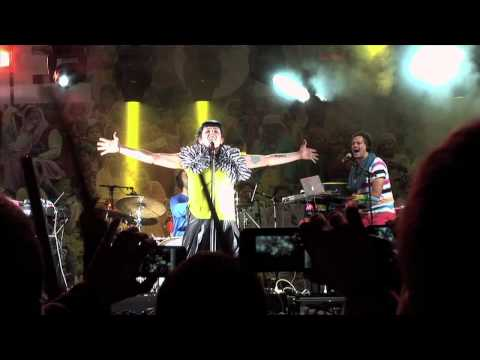 The gift (directo Vigo Transforma 2011) - In repeat