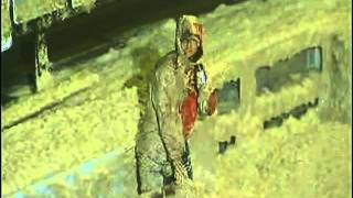 Baixar Fox TV reporter drenched in raw sewage live on air Hurricane Irene 2011