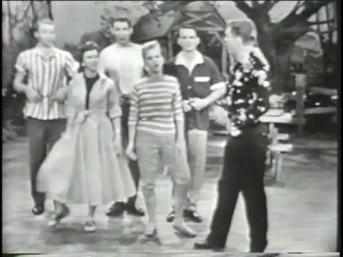 The Spellbinders  ( Page Five Singers )   The Patti Page Show  Part 1