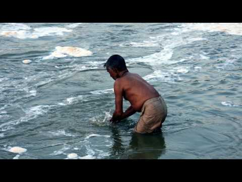 News Update India court bans waste dumping in Ganges 13/07/17