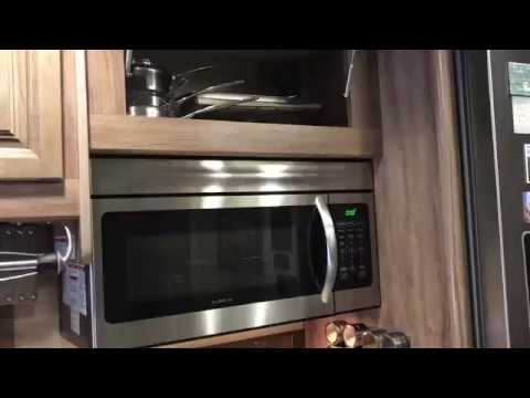 pot-and-pan-storage-in-rv