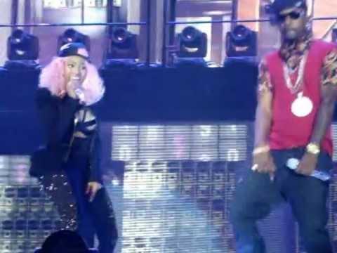 Nicki Minaj - Mercy Live