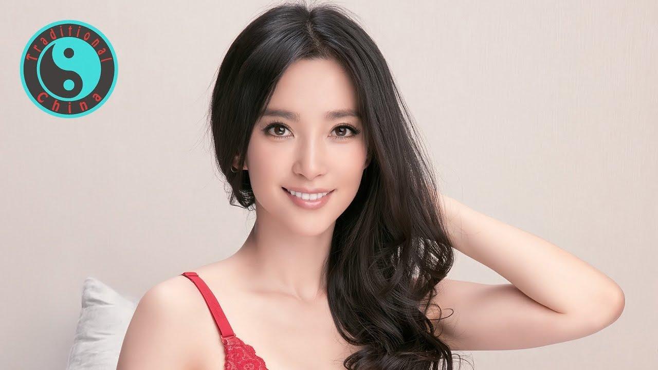 Miao Yin Ren 任妙音 • Beautiful Chinese Music • 夢裡回到昨天〡