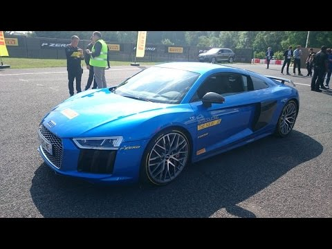 pilotage de l 39 audi r8 v10 plus avec margot laffite aux essais des pneus pirelli p zero youtube. Black Bedroom Furniture Sets. Home Design Ideas