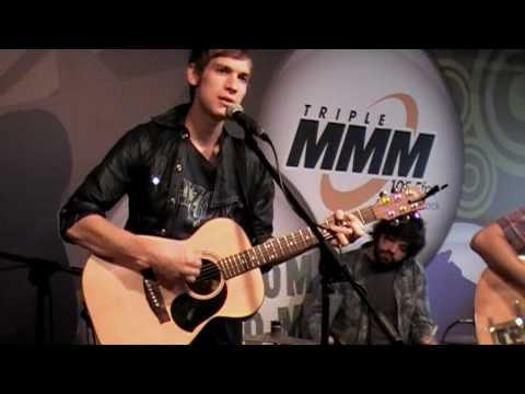 """Landon Pigg - """"Falling In Love At A Coffee Shop"""" - Live From Studio M"""