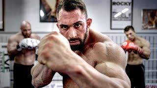 Kevin Wolter zerstört Bodybuilder!