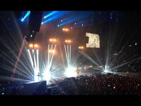Arctic Monkeys live at Qantas Credit Union Arena 2014 (full audio)