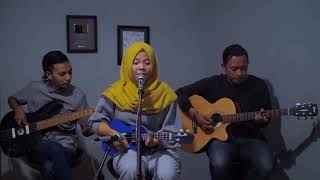 Download lagu ANJI   MENUNGGU KAMU Cover by Ferachocolatos ft  Gilang & Bala 1
