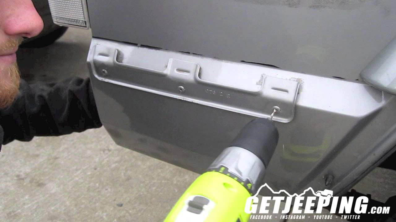 Removering Rear Bumper End Caps Mounts On 1997 2001 Jeep Cherokee