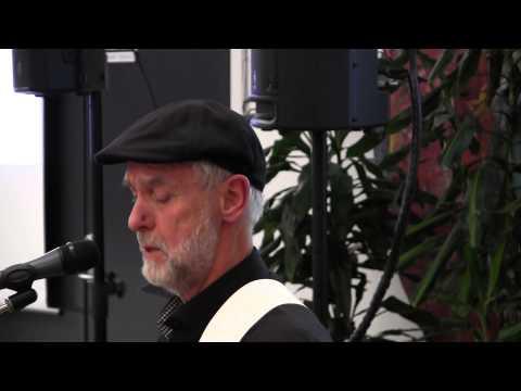 Dan Turell & Halfdan E - Hyldest Til Hverdagen [HD & Lyrics]из YouTube · Длительность: 4 мин25 с