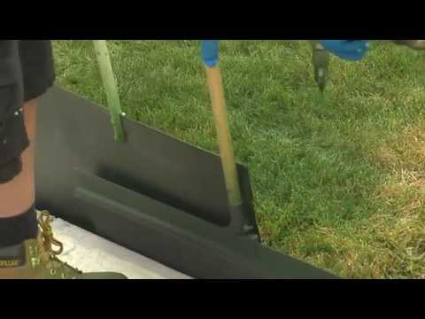 Lawns Get a Coat of Paint Amid Drought