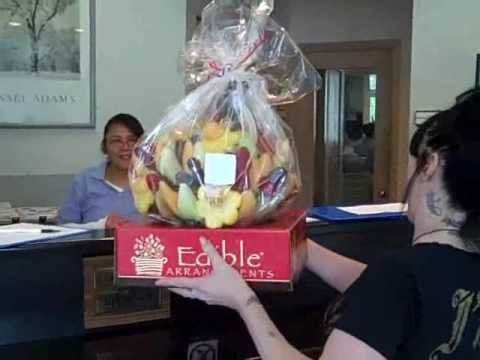 Q105 Brings Edible Arrangements to a Winning Mom!