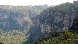Blue Mountains Walks: Sublime Point Road to Golf Links Lookout Leura NSW Australia