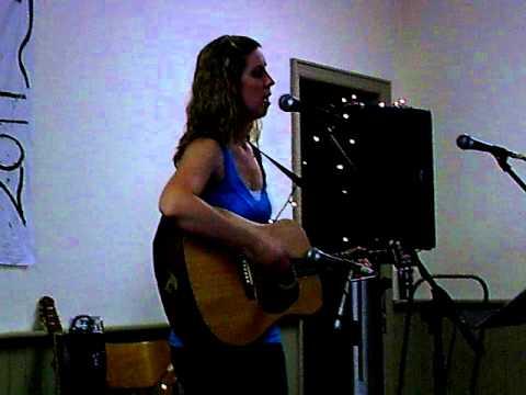 Lindsey Minaker singing